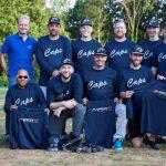 Foto Martin de Jonge (Caps Hoogeveen): Spreen ICT is de nieuwe sponsor van honkbalvereniging Caps. Woensdag 11 juli kregen de honkballers van de Caps een trainingsshirt uitgereikt.